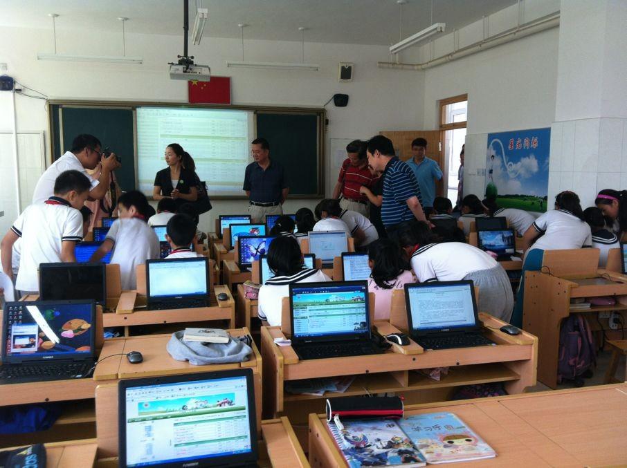 高新区实验小学机器人教学活动室 -NOC新闻详细图片
